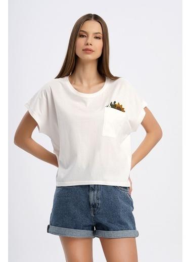 Nismia Ayçiçeği Nakışlı Cepli Yarasa Tshirt Beyaz